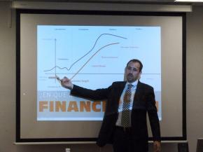 Javier Megías, durante su ponencia
