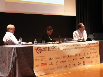 """Taller """"Tecnologías que están cambiando el mundo"""" Enrédate Alzira 2015"""