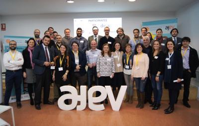 Participantes de Operación Consolida 2017 junto a mentores
