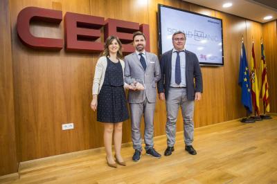 Entrega el reconocimiento a Luís Soldevila, CEO de Brandmanic #25añosceei