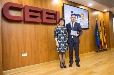 Enrique Selva, CEO de iM2 solar, recoge el reconocimiento #25añosceei