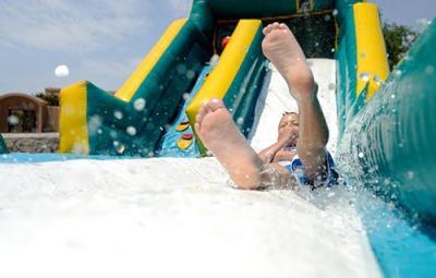Castillos hinchables acuáticos para niños