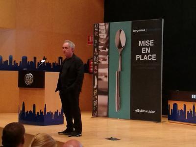 Ferran Adrià durante su conferencia