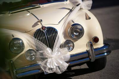 Alquiler limusinas clásicas para bodas - Coches nupciales Valencia