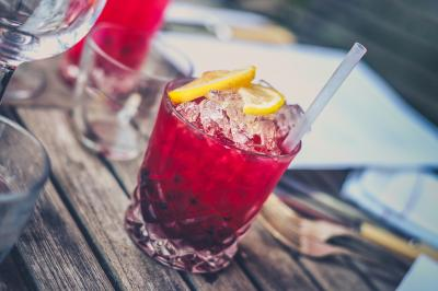 ¿Cómo afecta el alcohol a nuestra recuperación?