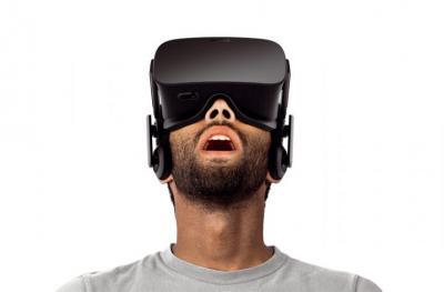 Asombro al usar realidad virtual