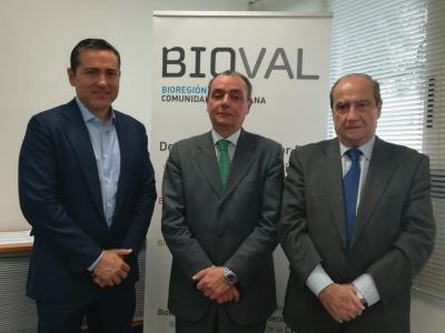D. Carlos Ledó Presidente de BIOVAL , D. Carlos Navarro Presidente de la CEV y D: Jesús Casanova Secretario de BIOVAL.