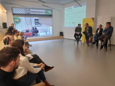 Más de 30 personas se interesan por las energías limpias en el 2º Maestrale BEL