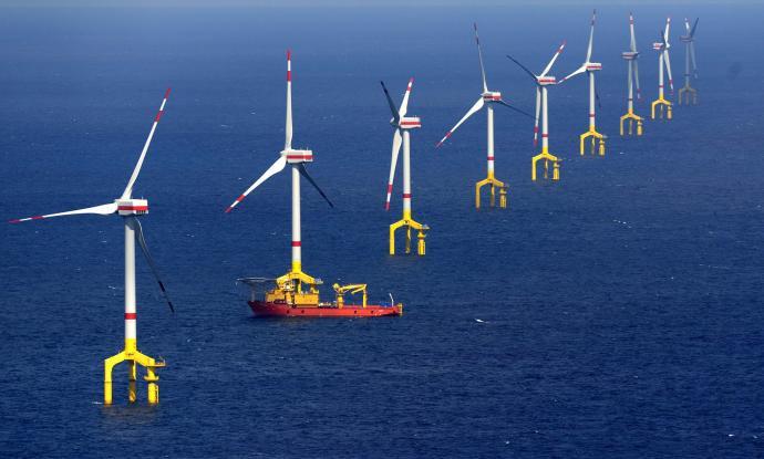 El Puerto de Valencia estudia instalar un arrecife artificial y aerogeneradores en el mar