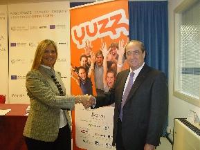 Victoria Zuasti junto a Jesús Casanova en la presentación del programa YUZZ